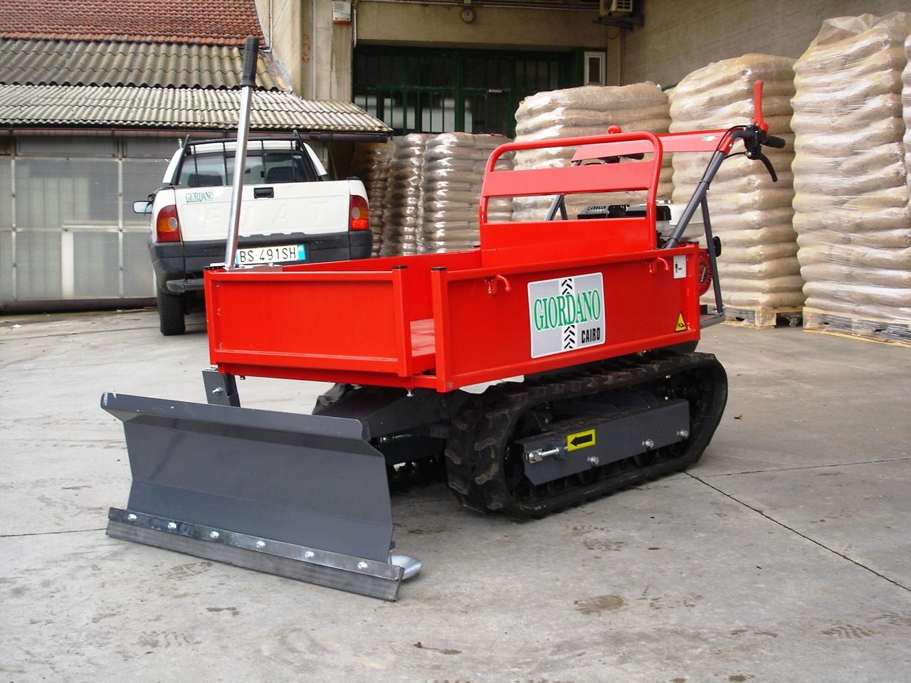 Motocarriola cingolata nuova gior 550 kg honda con lama neve for Motocarriole cingolate usate