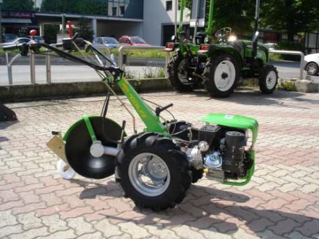 Video motocoltivatore mulino elettrico per cereali for Attrezzi agricoli usati lazio