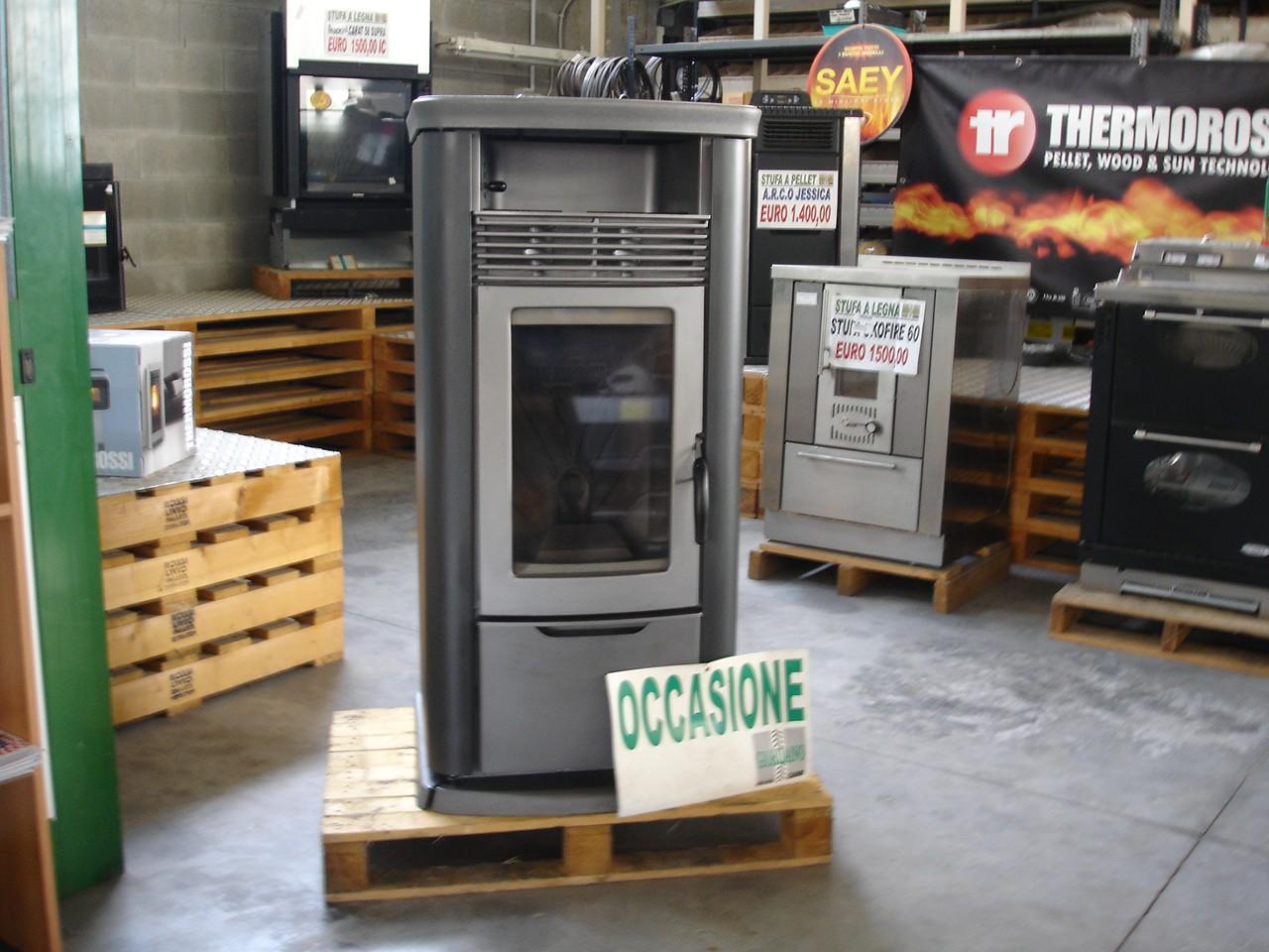 Stufa usata thermorossi modello 7000 easy a pellet - Stufe a pellet usate prezzi ...