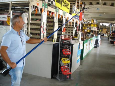 ABBACCHIATORE ELETTRICO CON BATTERIA A IONI DI LITIO MARCA  JOLLY ITALIA MODELLO V 44 NUOVO