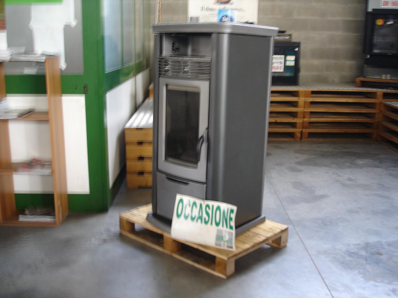 Stufa usata thermorossi modello 7000 easy a pellet - Stufa a pellet usate ...